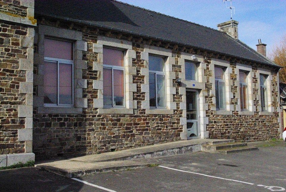 Maison des associations for Association aide construction maison
